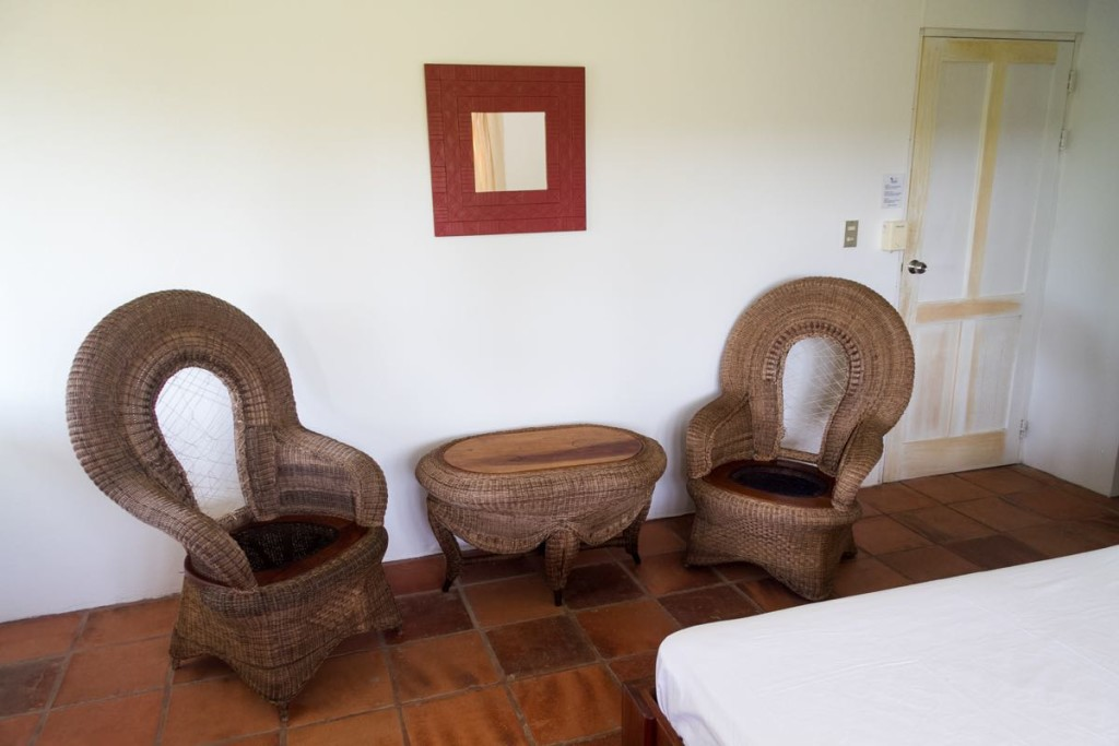 Hotel Horizontes de Montezuma Seats inside the rooms